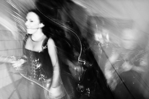 B&W Motion by Sofia Lundberg