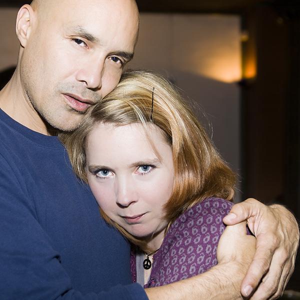 Dan Reed tröstar Sofia Lundberg (foto av en vän, redigering e jag)